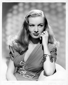 Veronica Lake, 1942