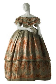 fripperiesandfobs worth ball gown 1860 from mcny - Costume Col Mao Mariage