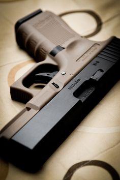 archangvl:   Glock 19|Eki Han |  Weapons Lover Find our speedloader now!  www.raeind.com  or  http://www.amazon.com/shops/raeind