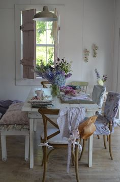 Dining Room. White, Purple, Pink, Chippy, Shabby Chic, Whitewashed, Romantic, Cottage, French Country, Rustic, Swedish decor Idea. ***Pinned by oldattic***