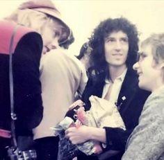 Queen Love, Save The Queen, Arena Rock, Queen Photos, Ben Hardy, British Rock, Queen Freddie Mercury, Queen Band, Brian May