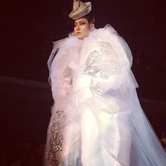 Pierrot bride inspired by Bowie's clown outfit in his Ashes to Ashes video, at the Gaultier Couture show. Shot from the front row by Alt (à L'Atelier Jean Paul Gaultier) Catherine Deneuve, Elizabeth Taylor, Kenzo, Clown Clothes, Emmanuelle Alt, Jean Paul Gaultier, David Bowie, Front Row, Stella Mccartney