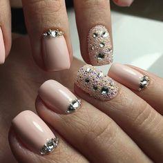 complex swarovski nail art