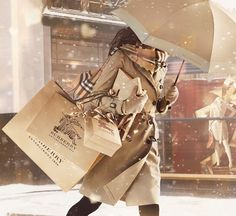 Enjoy The Luxury Of BURBERRY & The Sentiments Of Love This Holiday Season