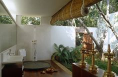 Tropical Bathroom, so great open to everything!