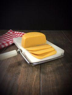 Süßkartoffel Cashew Käse vegan, veganer Käseersatz aus dem Thermomix, veganer Schnittkäse aus dem Thermomix selbst gemacht