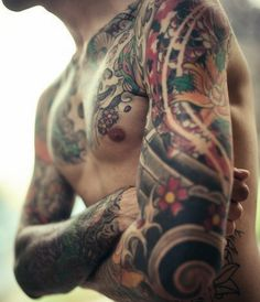 I love that this guy has lots of flower tattoos #tatts #ink #tattoo