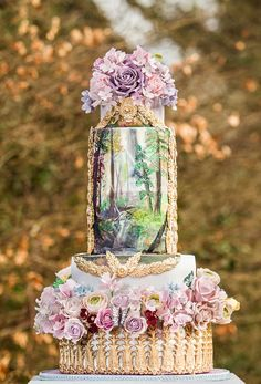 Choose from a variety of styles ranging from traditional to metallics to find the perfect wedding cake for the celebration of a lifetime.