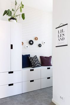 Ikea Hallway, Entryway, Ikea Stuva, Clayton Homes, Kid Toy Storage, Banquette, Hallway Decorating, Ikea Furniture, Contemporary Interior