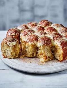This cheese and marmite pull-apart bread is delicious fresh from the oven and is great for sharing around the kitchen table with family and friends.