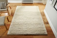 Heavy weight shaggy rug for a superb luxurious touch into your decor. #shaggyrugs #polypropylenerugs #durablerugs #blackrugs #creamshagrugs #modernrugs