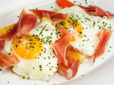 Receta | Huevos estrellados con jamón - canalcocina.es
