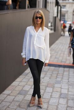 Boyfriend shirt and skinny jeans. Cute look.