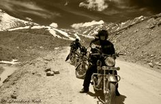 Motorcycle road trip in Ladakh, Himalaya. By Royal Enfield  Géraldine Ragé photography.