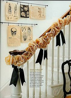 halloween decor - these are the colors I use... Love that garland on the hand rail