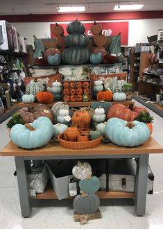 Thanksgiving Decorations, Halloween Decorations, Merchandising Ideas, Visual Display, Decor Ideas, Gift Ideas, Tk Maxx, Hobby Lobby, Harvest