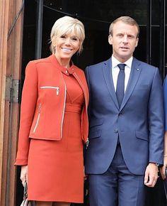 Brigitte Macron Work Fashion, Trendy Fashion, Womens Fashion, Beaux Couples, Brigitte Macron, Emmanuel Macron, Power Dressing, Royal Fashion, Office Outfits
