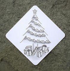 lovely tile by Sue Jacobs, Certified Zentangle Teacher (CZT) Patterns Christmas cards Zentangle Drawings, Doodles Zentangles, Doodle Drawings, Doodle Art, Zen Doodle, Christmas Doodles, Christmas Drawing, Christmas Art, Christmas Tree Zentangle