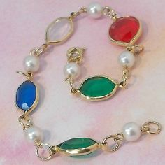 Bracelet-bezel-set-blue-green-red-in-goldtone-faux-pearl-spacers-size-7-1-2