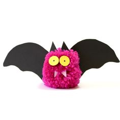 How to Make this Cute Pom Pom Bat for Halloween