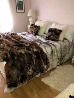 (notitle) 2019 The post (notitle) 2019 appeared first on Blanket Diy. Viking House, Faux Fur Bedding, Faux Fur Blanket, Fuzzy Blanket, Fur Throw, Warm Blankets, Bed Sets, Cool Rooms, New Room
