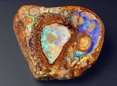 whatever this is, it's beautiful! (some sorta opal, i assume...)