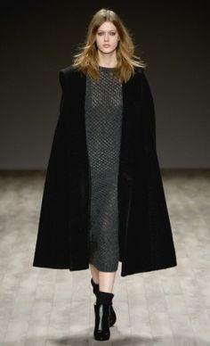 Cape! Mercedes-Benz Fashion Week : JILL STUART