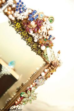 vintage flea market decorating | Mirror Decoration