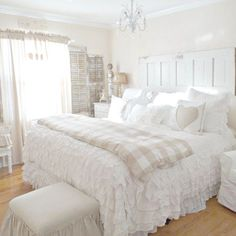 Awesome Shabby Chic Bedroom Decor Designs You Can Do Yourself For Your Apartmen Shabby Chic Shop, Shabby Chic Interiors, Shabby Chic Bedrooms, Trendy Bedroom, Shabby Chic Homes, Shabby Chic Furniture, Shabby Chic Decor, Bedroom Furniture, Cheap Furniture