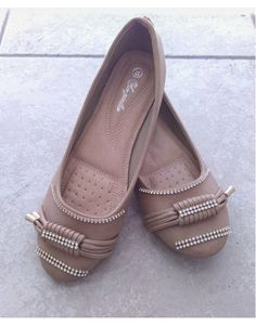 Χειροποίητη μπαλαρίνα με στρας. Μοναδικό ζευγάρι Νο.39 Flats, Shoes, Fashion, Loafers & Slip Ons, Moda, Zapatos, Shoes Outlet, Fashion Styles, Shoe