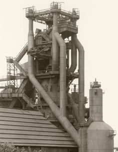 Blast Furnace Head, U.S. Steel Central Works, Cleveland, Ohio, United States (1979). Bernd y Hilla Becher