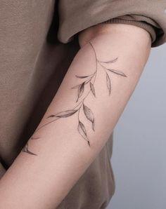 Feminine Arm Tattoos, Inner Arm Tattoos, Vine Tattoos, Wrist Tattoos For Guys, Best Tattoos For Women, Simplistic Tattoos, Body Art Tattoos, Sleeve Tattoos, Cool Tattoos