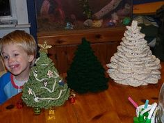 Crochet Christmas Tree --free pattern--