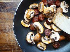 Abbe's Cooking Antics: * Chorizo and Chestnut Mushroom Carbonara