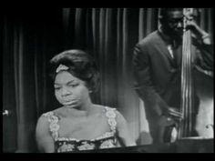 Nina Simone, All we know (1961). Lembro apenas de Borges, que diz em algum lugar que, neste mundo, a beleza é comum: https://www.youtube.com/watch?v=6proYaAfwtM