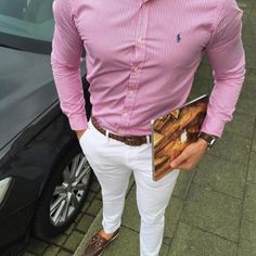 chemise rose a rayures verticales blanches marque Ralph Lauren, tenue homme chic. Mens Fashion Suits, Fashion Outfits, Stylish Men, Men Casual, Formal Men Outfit, Mac Book, Ralph Lauren, Herren Outfit, Gentleman Style