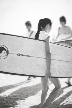girlssurf2:  Surfing Girl , Follow me at: http://girlssurf2.tumblr.com/