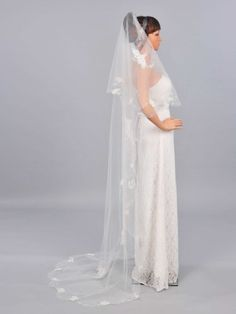 Remedios Boutique Women's 1 Tier Bridal Cathedral Length Veil Remedios Boutique,http://www.amazon.com/dp/B00DSGY2RA/ref=cm_sw_r_pi_dp_uSsgtb1HETHDJF8Z