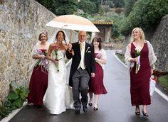 Bride on the way to wedding ceremony Flowers by Jardin Divers www.jardindivers.it @jardindivers wedding in Italy, italian wedding, tuscany wedding, romantic wedding, outdoor wedding, flower wedding, pink wedding