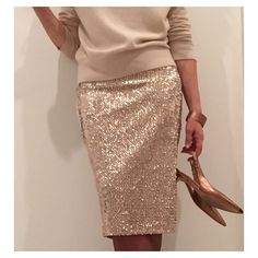 Tonight's Christmas outfit - drinks at the neighbours. Another stretch sequin Ultimate Pencil Skirt again worn with a cashmere crew, copper shoes and accessories Sequin Skirt Outfit, Pencil Skirt Outfits, Sequined Skirt, 21st Birthday Outfits, Birthday Outfit For Women, Birthday Dresses, Bar Outfits, Vegas Outfits, Club Outfits