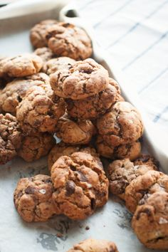 I had a craving for chocolate chip cookies. I knew exactly what kind I wanted: thick, chunky, cookies riddled with generous pieces of da. Brownie Cookies, Cookie Bars, Chocolate Chip Cookies, Chocolate Chips, Cinnamon Roll Cookies, Neiman Marcus, Cookie Recipes, Cravings, Sweet Tooth