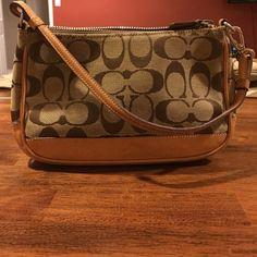 Authentic Coach purse!! Authentic Classic Coach Purse!! Coach Bags