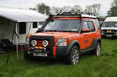 It's a chilly morning at for the last day of April! By (at Adventure Overland Show) Land Rover Discovery Off Road, Cool Trucks, Range Rover, Offroad, Dream Cars, Adventure, Lens, Land Rovers, Arctic