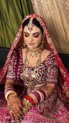 Indian Wedding Poses, Indian Wedding Video, Indian Bridal Photos, Indian Bridal Outfits, Indian Bridal Fashion, Indian Fashion Dresses, Bride Indian, Punjabi Bride, Indian Photoshoot