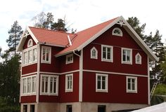 Swedish Farmhouse, Swedish House, Red Roof House, Red Houses, Scandinavian Home, House In The Woods, House Colors, My Dream Home, Building A House