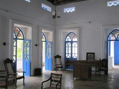 Casa de Sousa sala. Macasana Goa. Photo by S. deSousa. Village House Design, Village Houses, Goa, Colonial India, Interior Architecture, Interior Design, Living Room Images, Mansion Interior, Gate House