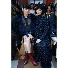 Seen at the front row of our #SS17 Fashion show, Georgous @akimoto_kozue and  @mademoiselle_yulia dressed in Sonia Rykiel #PFW #SoniaRykielSS17 #FrontRow #KozueAkimoto #MademoiselleYulia