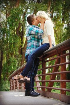 Engagement photo idea:)