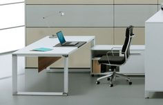 500 series executive desk by Jesper Office