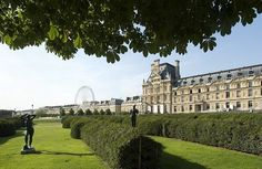 Les Tuileries is one of the most beautiful garden in Paris. The garden separates the Louvre from the Place de la Concorde. It is a cultural walking place for Parisians and tourists! You will love it especially in September when the weather is still warm...